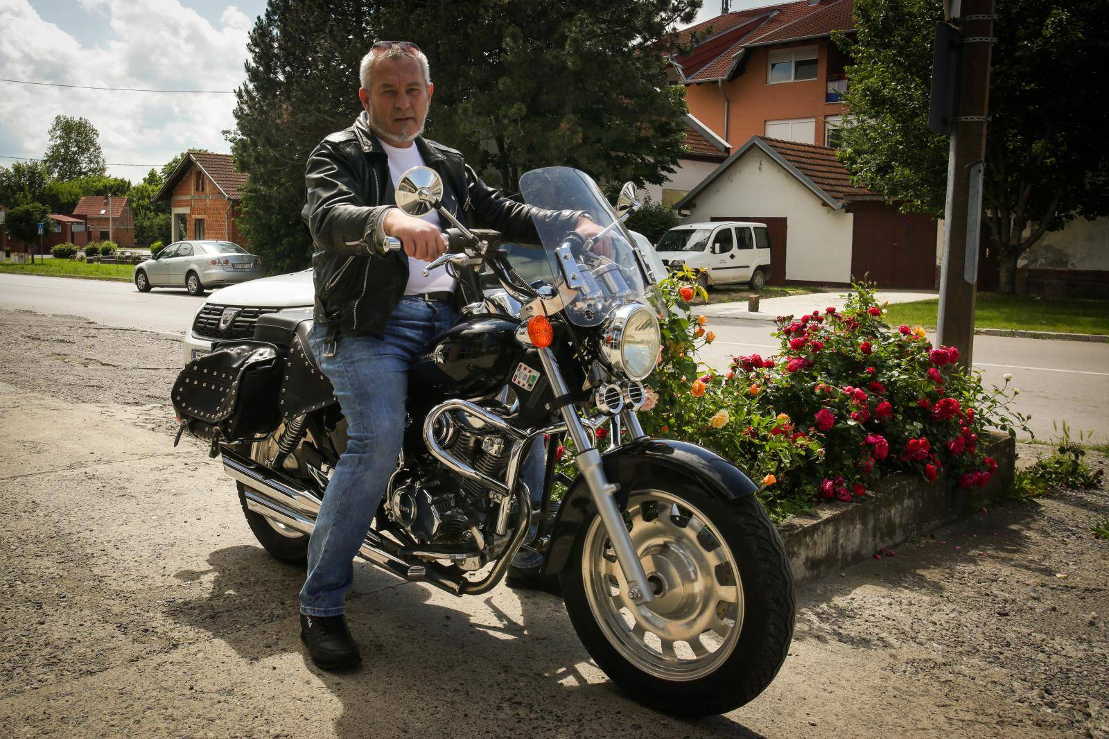 Branitelj pomaže siromašnima: 'Prodat ću svoj motocikl da 35 djece iz Vukovara ode na more'