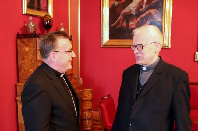 Bozaniću je stigla inspekcija: Papa poslao poljskog biskupa
