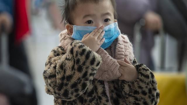 Koronavirus se mahnito širi, zaražena i jednomjesečna beba