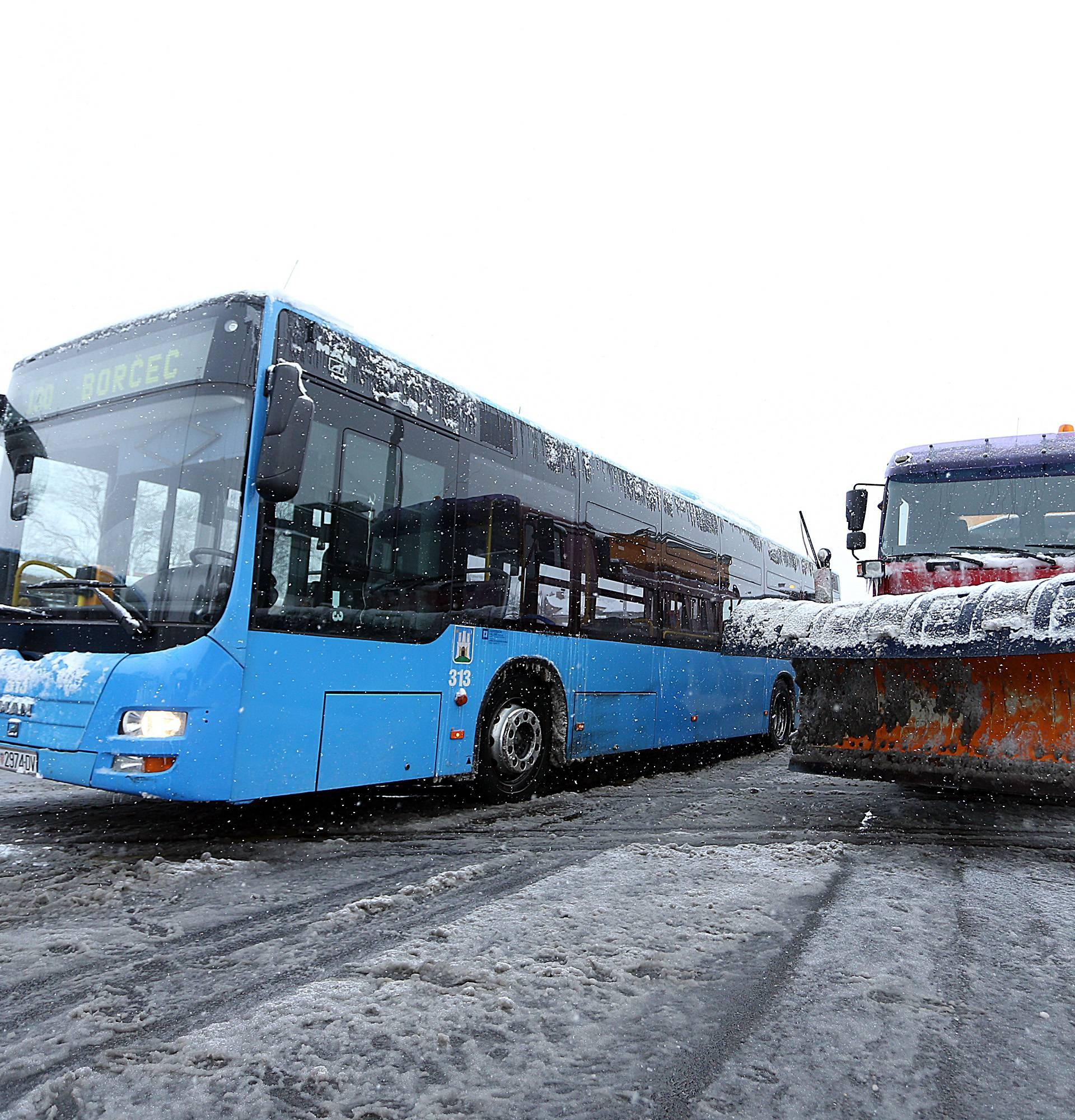 Oprezno zbog ledene kiše, MUP upozorava: Prilagodite vožnju!