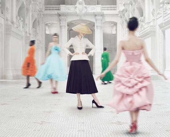 Dostupna online: Pogledajte veličanstvenu izložbu C. Diora