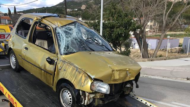 Teška nesreća u Podstrani: Vozač sletio s ceste i poginuo