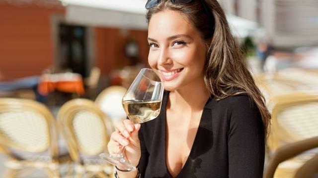 Istraživanje pokazalo: Znate li koliko vina trebate piti ako želite doživjeti više od 90?