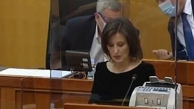 Orešković donijela za govornicu brojač novca, a padale su i brojne opomene zastupnicima