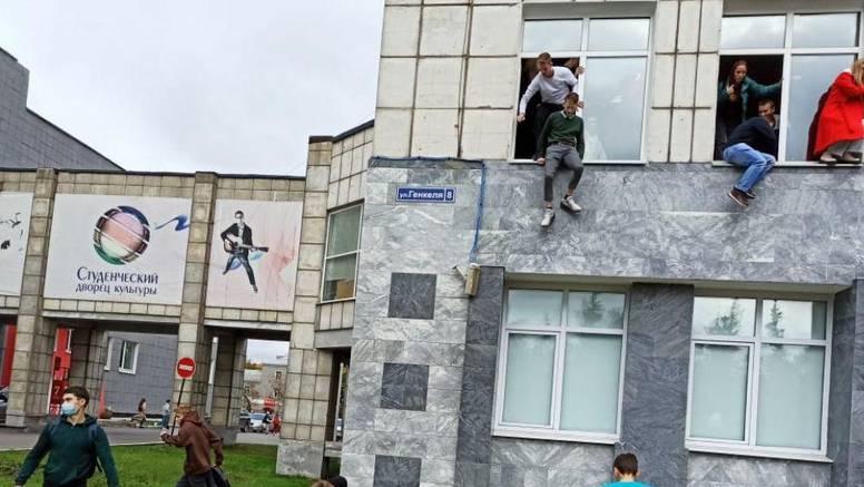 Pucnjava na ruskom sveučilištu, osmero mrtvih, mnogi ranjeni, studenti skakali kroz prozore