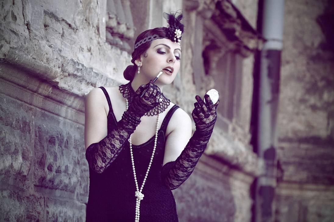 Retro Woman 1920s - 1930s