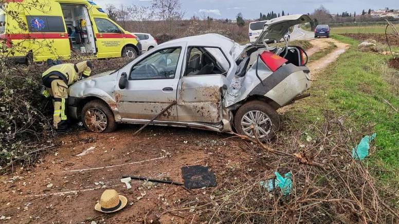 Pijan izletio s ceste, a dvoje putnika završilo u bolnici. Sud odredio istražni zatvor vozaču