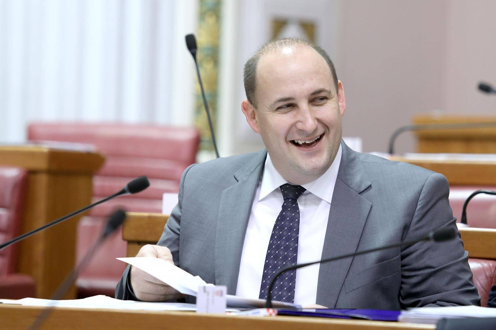 'Manjine će dati potporu HDZ-u, netko od nas mogao bi u Vladu'