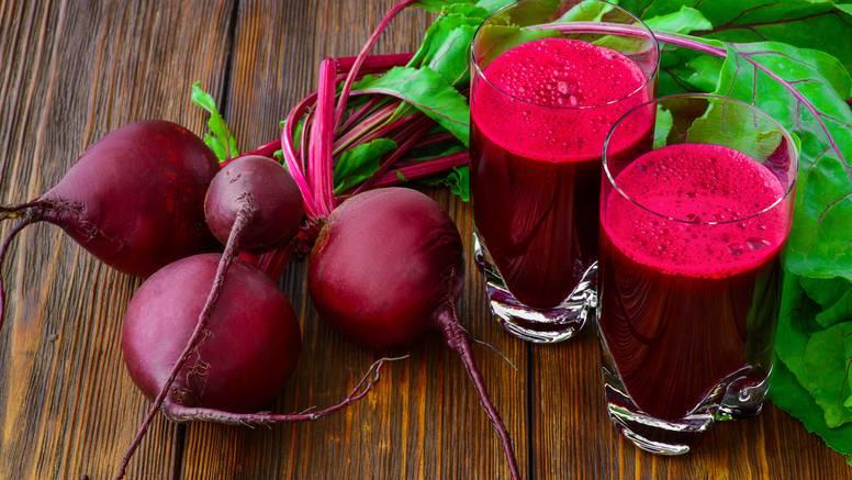 10 zdravstvenih koristi jedenja cikle - potiče gubitak kilograma, ima obilje vitamina i vlakana