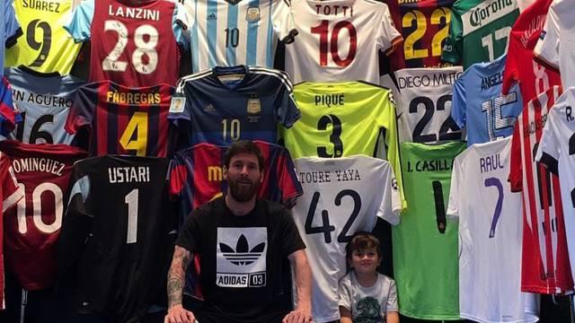 Messi se hvali: Pogledajte ovu nevjerojatnu kolekciju dresova