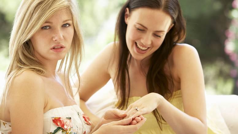 Prepoznajte znakove ljubomore kod prijatelja: To nije pravo prijateljstvo, već vrlo toksično