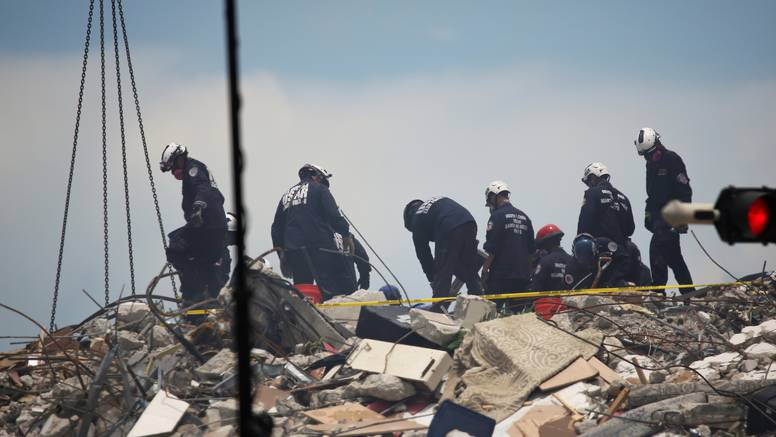 Pronašli petu žrtvu u ruševini zgrade, tragaju za još 156 ljudi