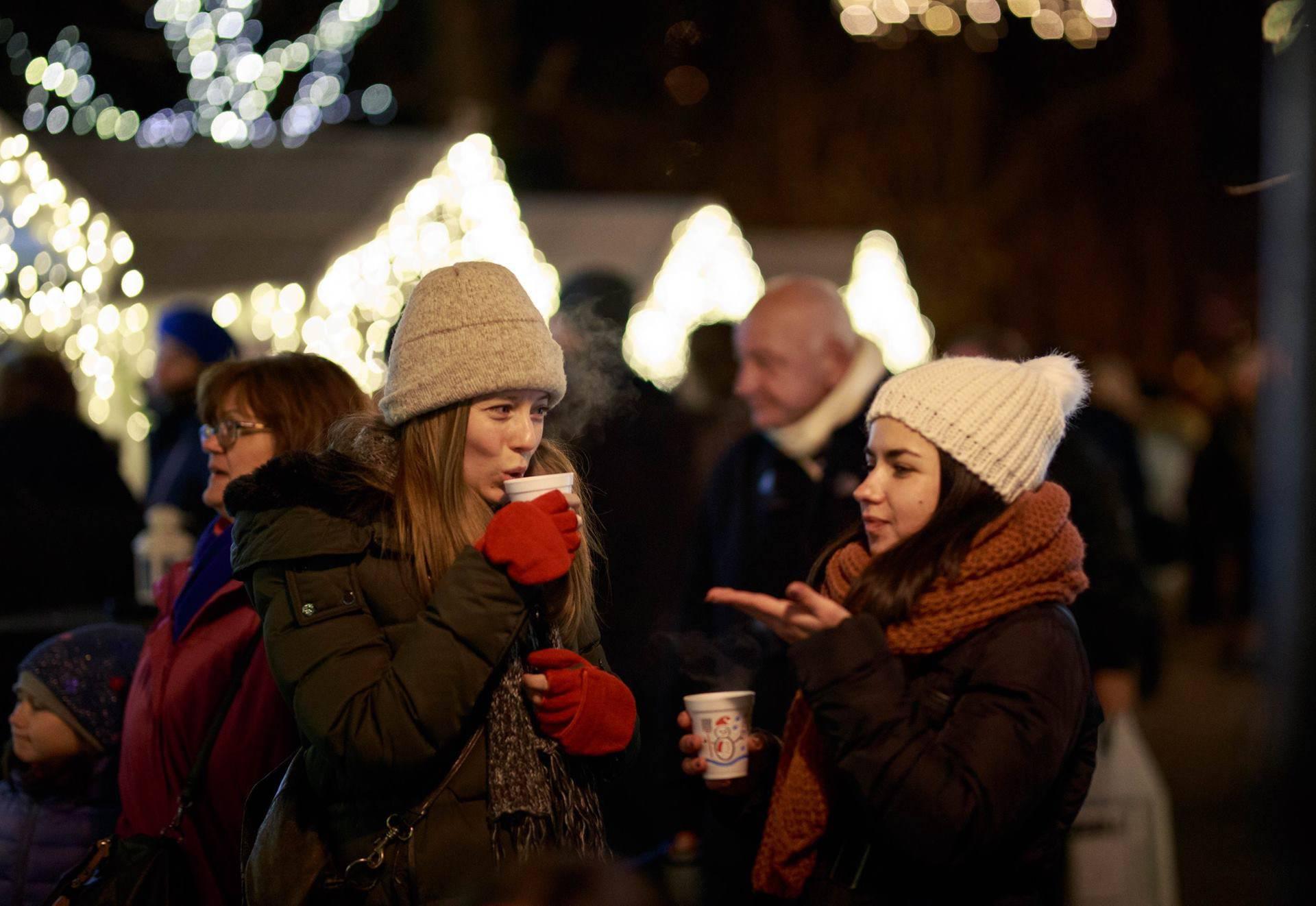 Advent na Strossu: Guštajte u čokoladnom vinu i koncertima