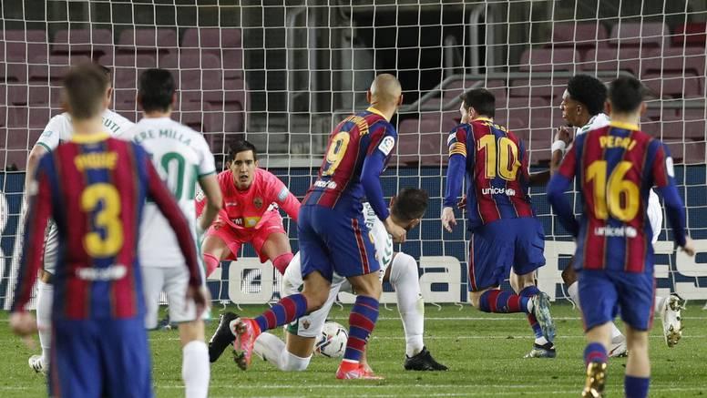 Messi redao igrače Elchea kao čunjeve, Barca na -5 od Atletica