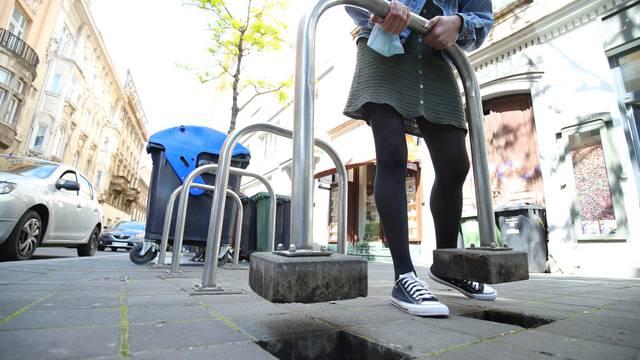Zagreb: Stupovi za vezanje bicikla su neispravni te ih se može iščupati iz tla
