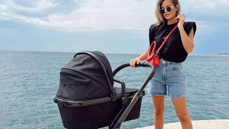Adriana Ćaleta Car objavila prvu fotografiju iz šetnje sa sinom: 'Pa ženo, k'o da nisi rodila...'