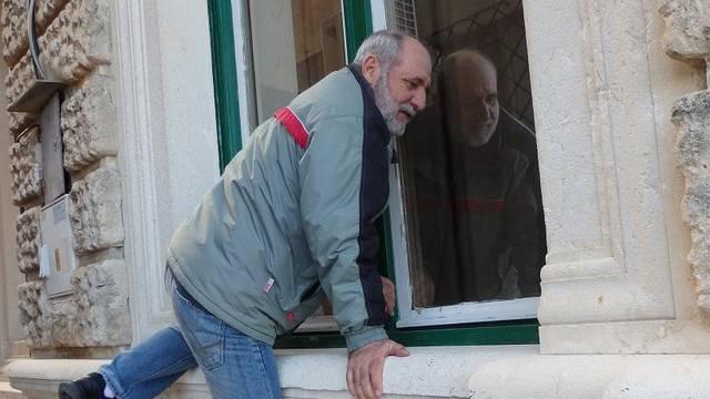 Dalmatinski prkos: 'Već osam godina ulazim kroz prozor...'