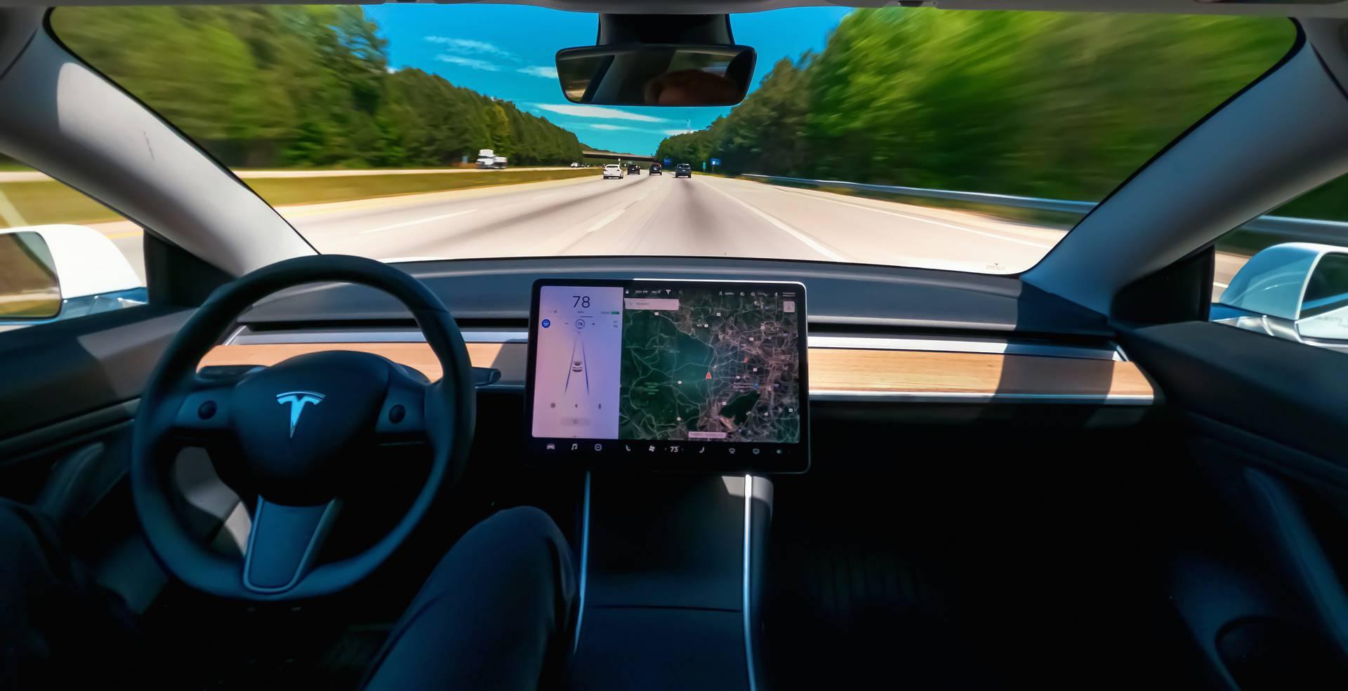 Najbolje sustave za pomoć u vožnji imaju BMW, Mercedes i Audi, a Volvo i Tesla - prosječni