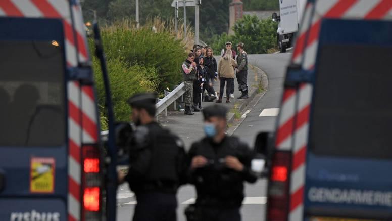 Francuska: Mladić izgubio ruku u sukobu partijanera i policije