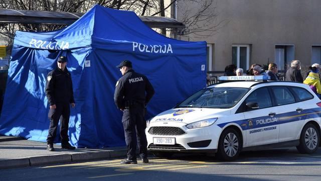 Policijski očevid na autobusnoj stanici u Sesvetama gdje je pronađeno tijelo muškarca