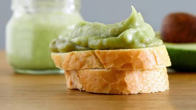 Maslac od avokada i češnjaka: Zdravi namaz za prste polizati