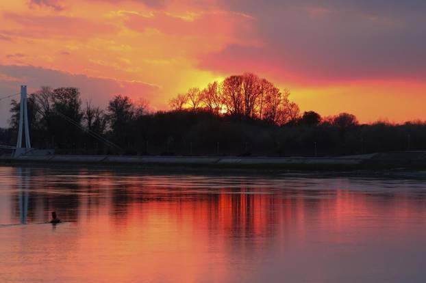 Osijek: Zalazak sunca nad Dravom