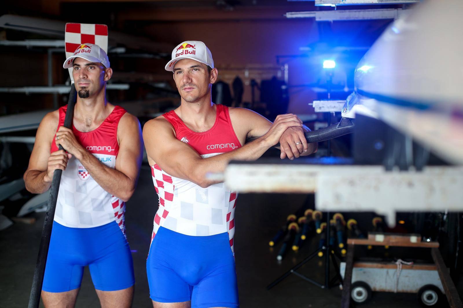 Braća Sinković morali odustati, Damir Martin u finalu 'samaca'