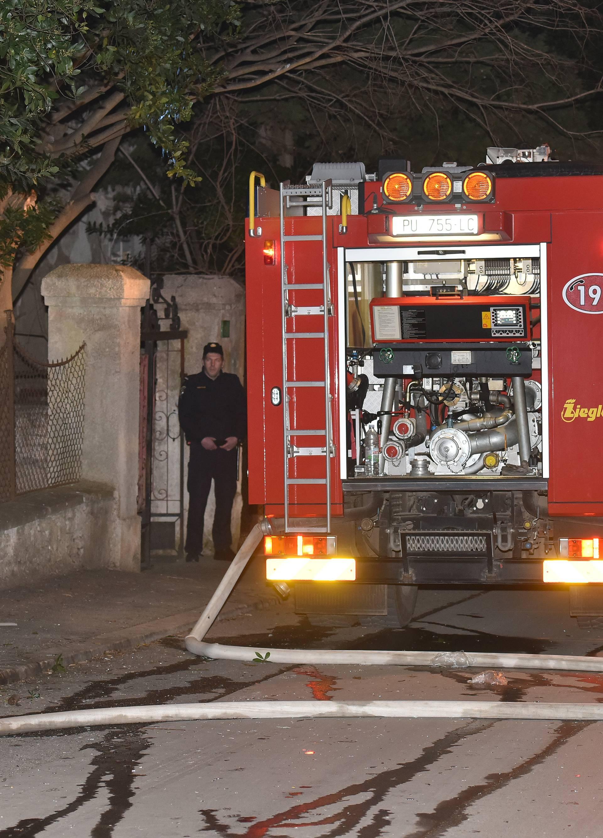 Ugušio se u požaru kuće koji je buknuo zbog opuška cigarete