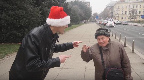 Božićne karaoke na ulici: Znaju li Zagrepčani pjevati Zvončiće?