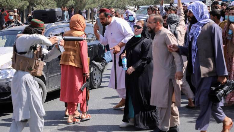 Nova talibanska vlada zaziva šerijat, u Heratu ubili dvoje prosvjednika protiv režima
