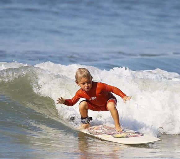 Princ valova: Dječak (4) je sam naučio surfati prije dvije godine