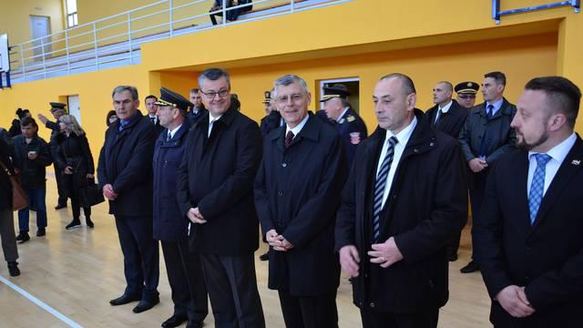 Premijer Orešković i Željko Reiner čestitali praznik rada