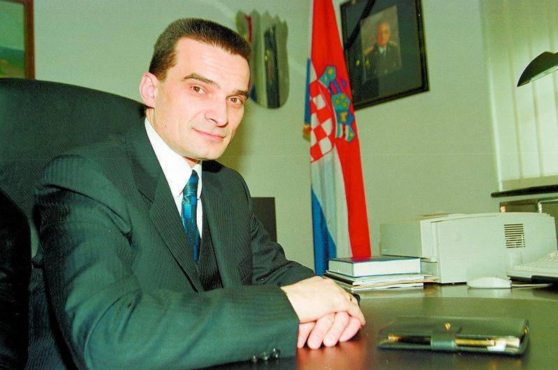 D. Grzelj