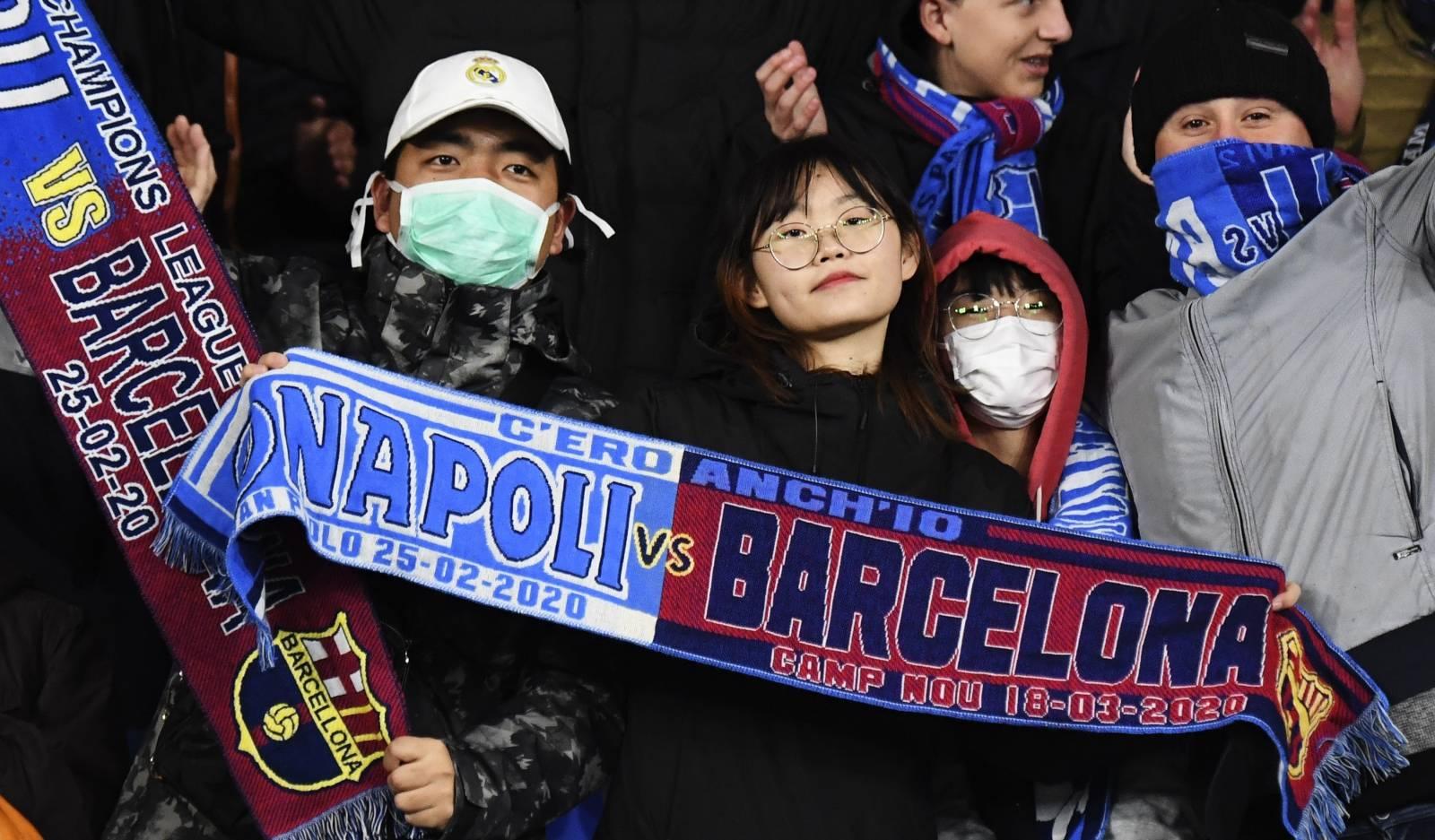 Coronavirus - Naples Barcelona, at San Paolo with masks