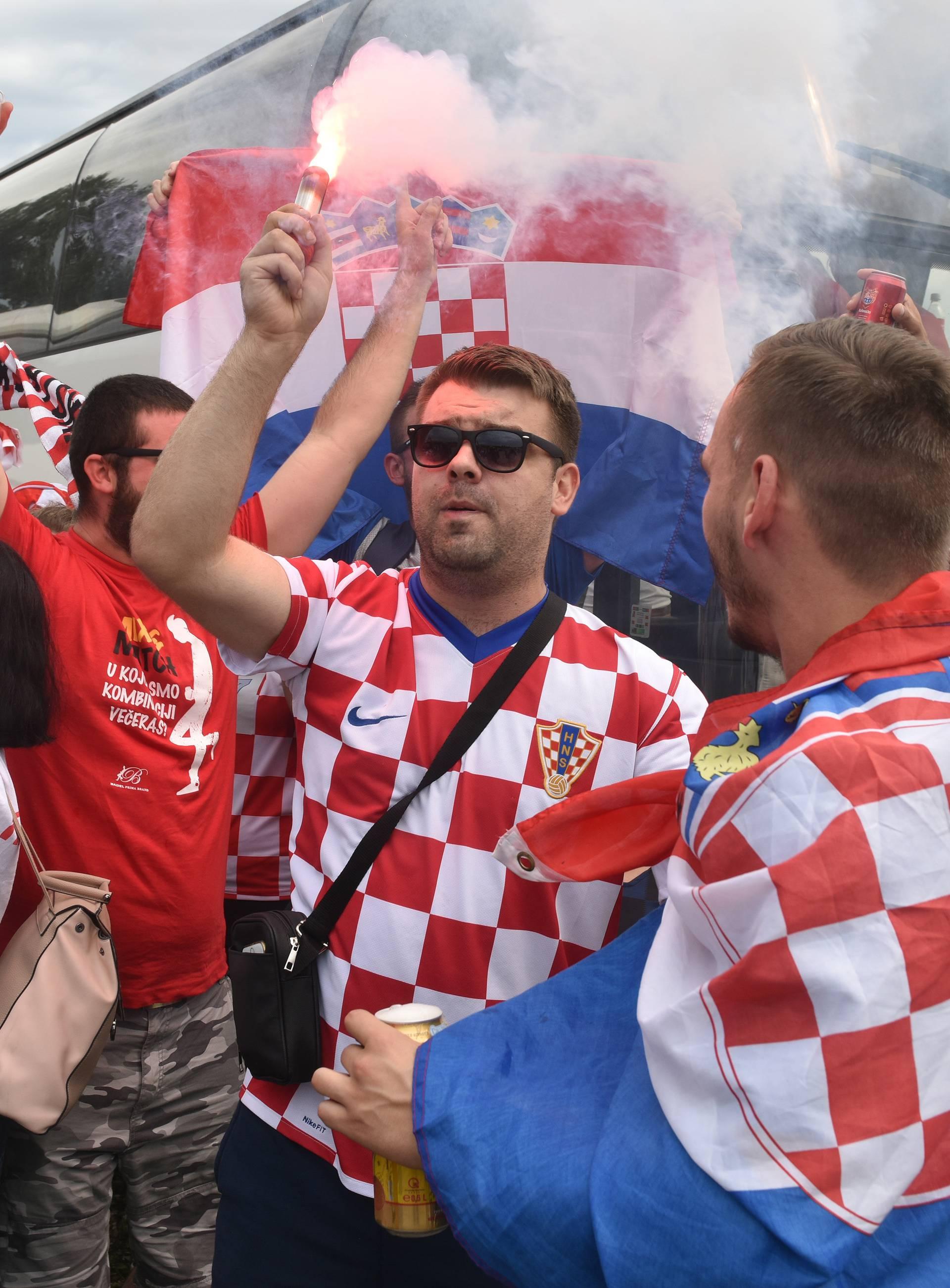 Navijači iz cijele Lijepe naše su stigli u Zagreb: 'Bravo Vatreni'