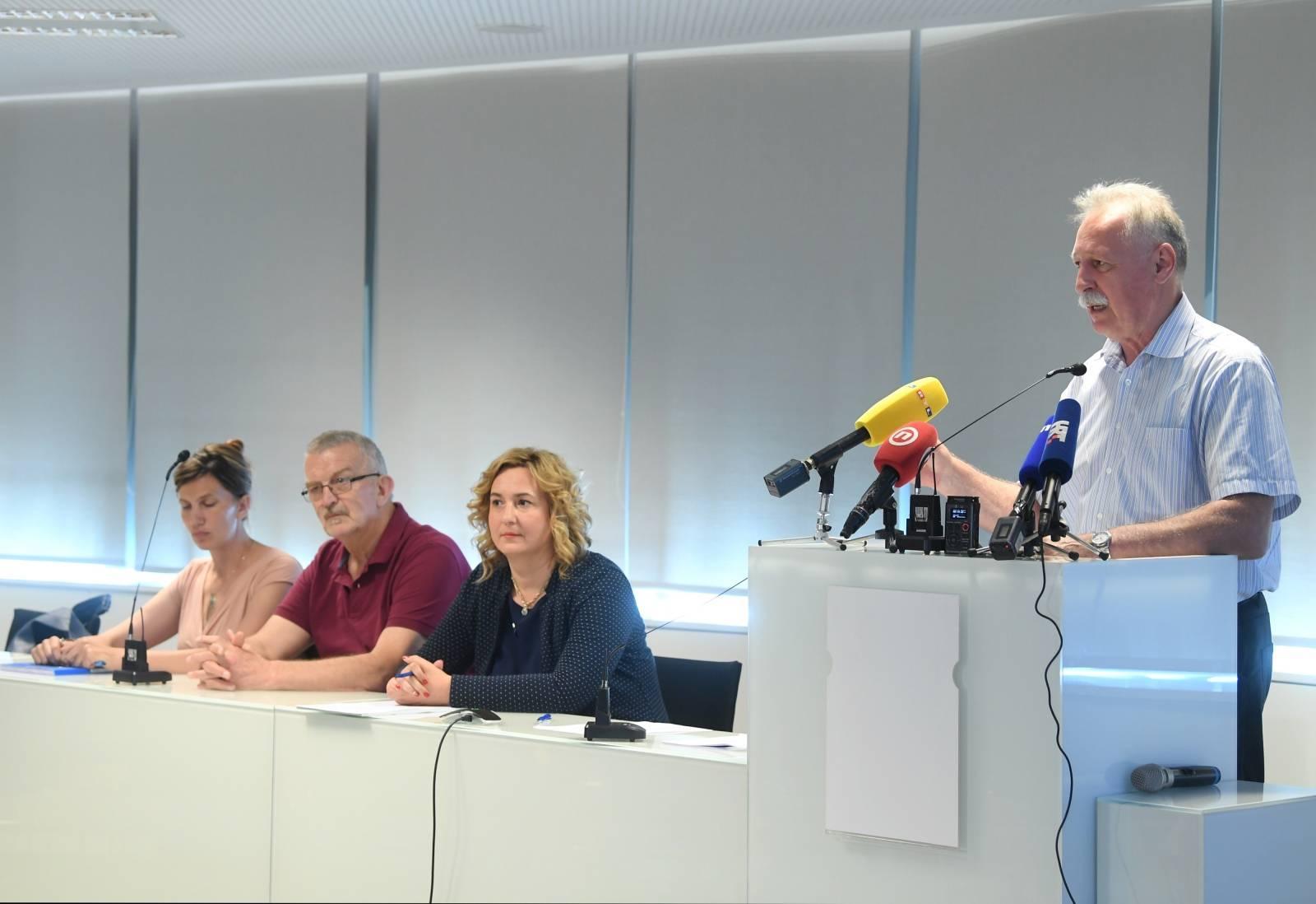 Sindikat učitelja i Nezavisnog sindikata zaposlenih u srednjim školama održali konferenciju