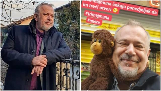 Šprajc pozirao ispred kafića pa poručio: Dva majmuna čekaju...