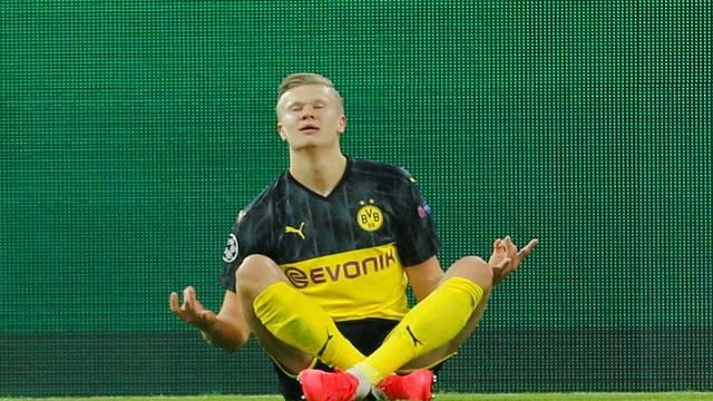 Champions League - Round of 16 First Leg - Borussia Dortmund v Paris St Germain
