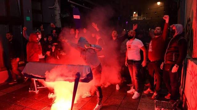 Morbidna proslava naslova u Sarajevu! Palili su lijes rivala
