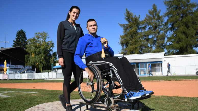 Nema veće ljubavi od sestrine prema bratu: Invalid sam, a ona me svaki dan vodi na trening