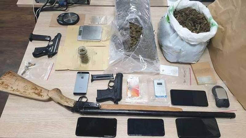 Policija srušila bandu dilera, raspačavali su kokain i travu...