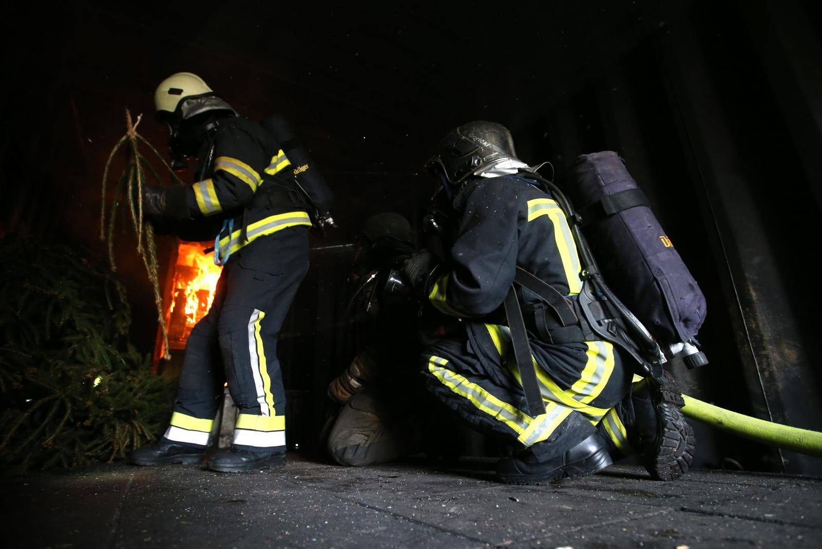 Izgorjela Alfa Romeo u Umagu, netko ju je namjerno zapalio