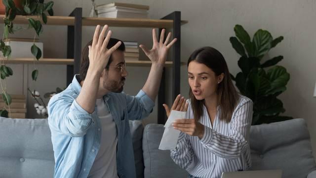 Terapeuti: Ovo su jasni znakovi da je veza osuđena na propast