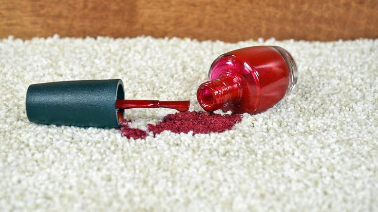 Uklonite lak s tepiha uz pomoć sastojaka koje već imate doma