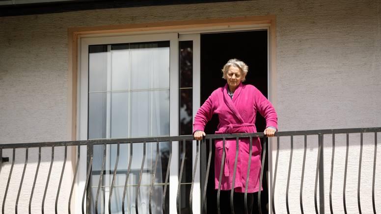 Zaštitari koji su čuvali obiteljski dom Strjačkih se povukli, sin Antun: Napokon smo na okupu