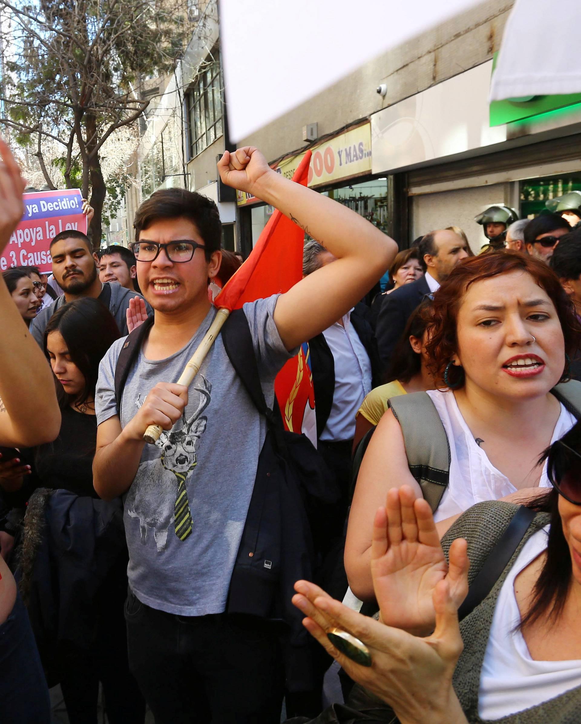 Demonstrators in favour of abortion celebrate in Santiago