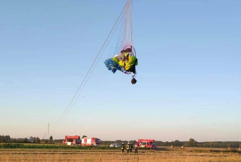 Virje: Paraglajder se zapetljao u strujne žice pa je skočio u polje