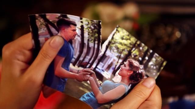 10 znakova da vaša veza tone: Od 'savršenog' ljubavnog para u javnosti do skupih poklona