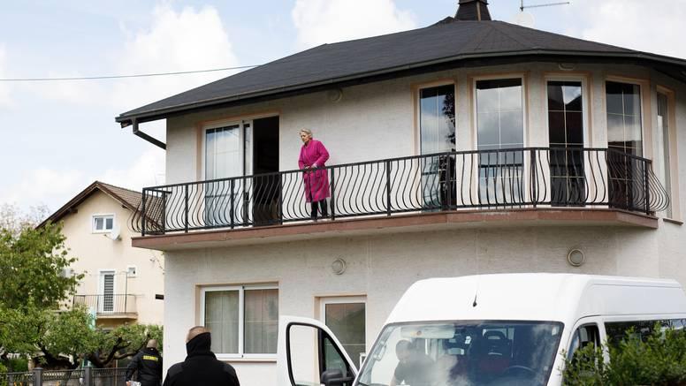 Deložirali obitelj iz kuće, žena živi u njoj okružena zaštitarima: 'Uzeli su nam dom na prevaru'