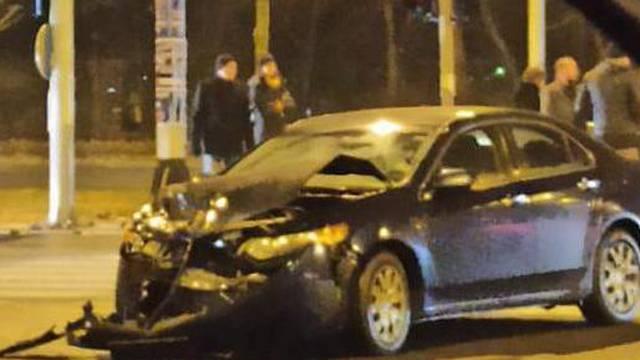 'Nadam se da su svi dobro, dva automobila skroz su razbijena'